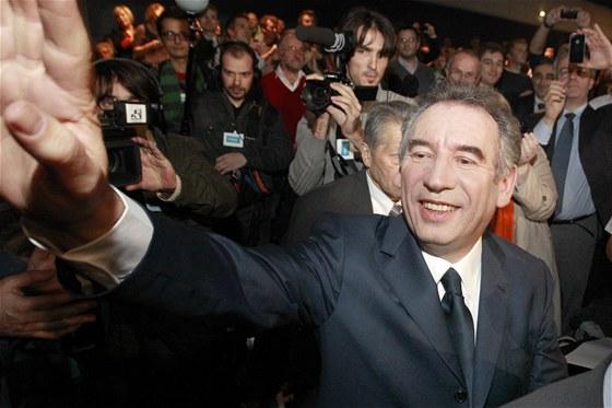 Francois Bayrou, francouzsk� prezidentsk� kandid�t strany MoDem p�i politick�m