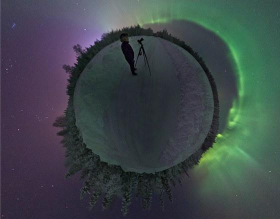 """Snímek polární záře z ledna 2012 Švéd Göran Strand nazval """"Planeta Aurora"""""""