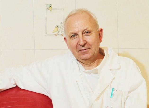 Milan Ko��ál je p�ednostou porodnicko-gynekologické kliniky Pardubické krajské