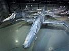 Zabalení letounů L-159 předcházela zkouška, při níž se technologie testovala na...