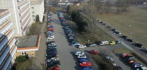 Parkování u Fakultní nemocnice v Hradci Králové