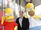 Matt Groening s hrdiny ze seri�lu Simpsonovi u sv� hv�zdy na hollywoodsk�m
