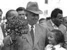 Sov�tsk� vl�dce Nikita Chru��ov (v klobouku) na n�v�t�v� Ostravy-Poruby v roce