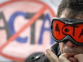 V bulharské Sofii se sešlo asi 300 odpůrců smlouvy. (12. února 2012)