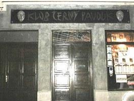 Legendární hudební klub Černý pavouk v roce 2001.