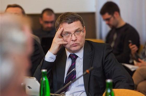 Lubom�r Zaor�lek (�SSD) b�hem zased�n� bezpe�nostn�ho v�boru Sn�movny. (21.