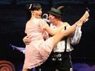Daniela �inkorov� (Christine Colgate), Ji�� Unterm�ller (Lawrence Jameson) v nov�m muzik�lu plze�sk�ho divadla Prodava�i sn�