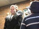 Radovan Krej��� odch�z� od soudu v jihoafrick� Pretorii. (16. �nora 2012)