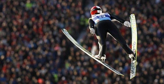 �ECH VE VZDUCHU. Roman Koudelka plachtí na mistrovství sv�ta v letech na ly�ích