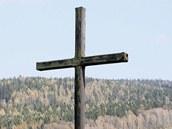 Přehrada zalije i prostor starého hřbitova, kříž jakoby symbolizoval budoucnost