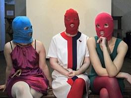 �lenky rusk� skupiny Pussy Riot ve zku�ebn�