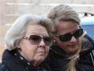 Nizozemská královna Beatrix (vlevo) a její snacha princezna Mabel přichází do