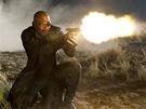 Z filmu Avengers. Kdo je tady ředitel? Samuel L Jackson jako Nick Fury, boss organizace S.H.I.E.L.D a šéf týmu Avengers.