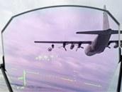 Čeští piloti s gripeny tankují za letu