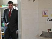 Ministr spravedlnosti Ji�� Posp�il si prohl�� b�val� ute�ensk� t�bor ve