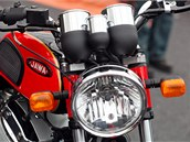 Na pra�ském Výstavi�ti se v rámci p�ehlídky Motocykl p�edstavila i retro Jawa
