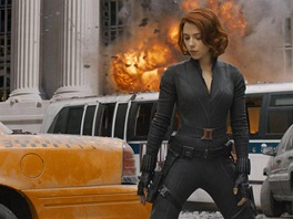 Scarlett Johanssonová hraje agentku organizace S.H.I.E.L.D. Nataša Romanoffová...