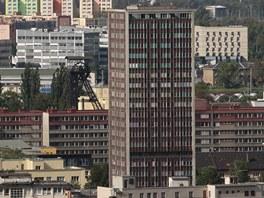 Vedení obvodu Moravská Ostrava a Přívoz by rádo věžák na Ostrčilově ulici snížilo a částečně přeměnilo na byty pro seniory.