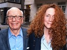 Rupert Murdoch a Rebekah Brooksová, která News of the World šéfovala v době