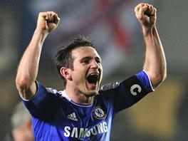 POVEDLO SE. Z�lo�n�k Frank Lampard se raduje z postupu Chelsea do �tvrtfin�le