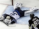 OKAMIK ZMARU. Brank Winnipegu Ondej Pavelec kapituloval, Sidney Crosby z
