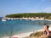 Je po sezoně. A pláže Kamenjaku jsou takřka opuštěné.