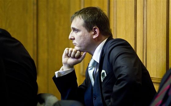 V�t B�rta u Obvodn�ho soudu pro Prahu 5, kde pokra�ovalo hlavn� l��en� v kauze