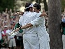 VYHRLI JSME. Bubba Watson  a jeho caddie Chad Reynolds po vtzstv na