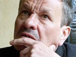 Divadeln� re�is�r, herec a dramatik Miroslav Krobot p�i rozhovoru pro iDNES.cz