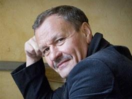 Divadelní režisér, herec a dramatik Miroslav Krobot
