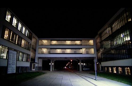 Bauhaus, Vysokou v�tvarnou �kolu, postavil Walter Gropius v roce 1926 v Desav�.
