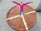Než koláč rozporcovali, přišlo na řadu focení s dětmi, pro které to byla