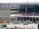 Stavba nov�ho leti�t� Willyho Brandta v Sch�nfeldu