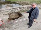 Historický most v Ronově nad Sázavou v Přibyslavi zničil traktorista s těžkým...