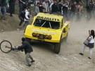 Baja 1000 přitahuje šílené jezdce, ale i šílené diváky.