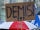 Na ostravské demonstraci Holešovské výzvy nechyběla ani hesla vyzývající vládu