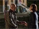 Bruce Willis a Sigourney Weaverová ve filmu S ledovým klidem