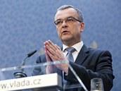 Minist�i schv�lili bal�k z�kon� po��taj�c� se zv�en�m DPH i dan� z p��jmu. TK