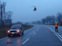 Pomoci musel i záchranářský vrtulník. (14. dubna 2012)