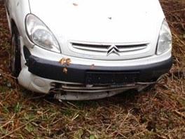 Auto poškozené při nehodě u Lázní Bělohrad