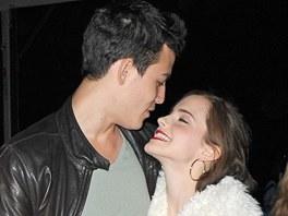 Emma Watsonová a Will Adamowicz
