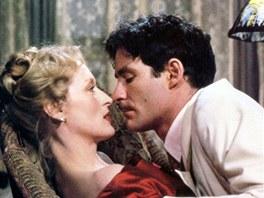Kevin Kline a Meryl Streepová ve filmu Sophiina volba