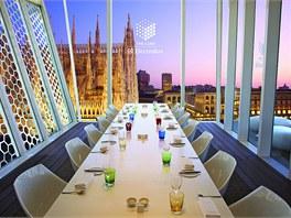 Do restaurace se vejde stůl pro 18 hostů.