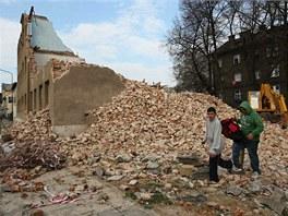 Domy v bývalém romském ghettu v přerovské Škodově ulici se změnily v