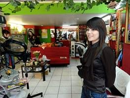Tržnice SAPA v Praze, kterou provozuje vietnamská komunita. Pánské i dámské...