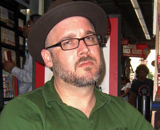 Komiksový scenárista Ed Brubaker