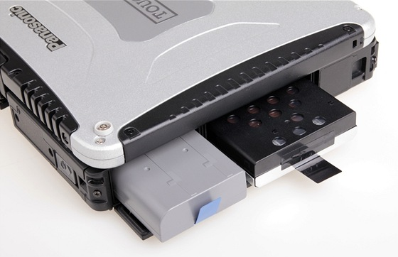 Toughbook CF-19: baterie a HDD