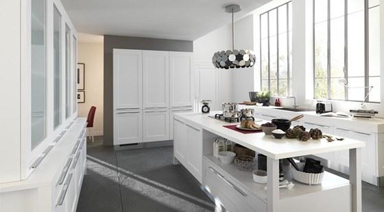 Kuchyně Gallery představuje kombinaci klasicky (dveře s rámem) a moderního
