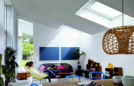I pultová nebo rovná střecha může vnést do interiéru světlo pomocí střešních