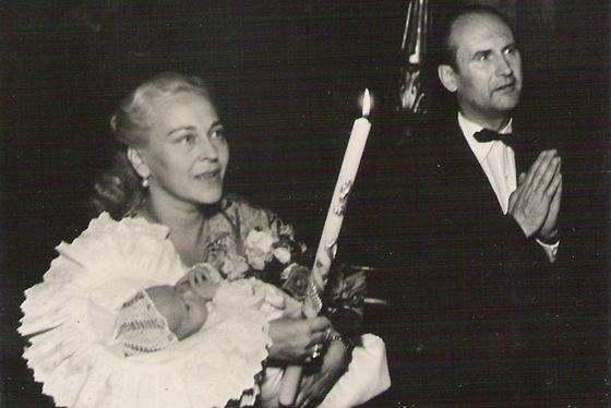 Křtiny syna Jiřího, který se herečce narodil, když jí bylo 44 let.